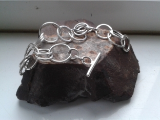 Simple Sterling Silver loop bracelet with toggle fastening