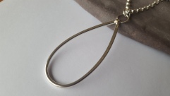 Simple pendant with gold accent